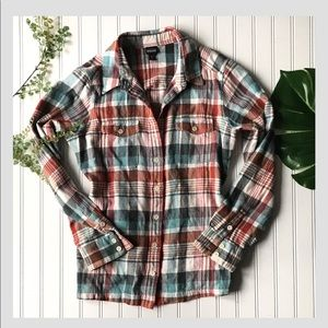 Patagonia plaid button up shirt flannel blue red